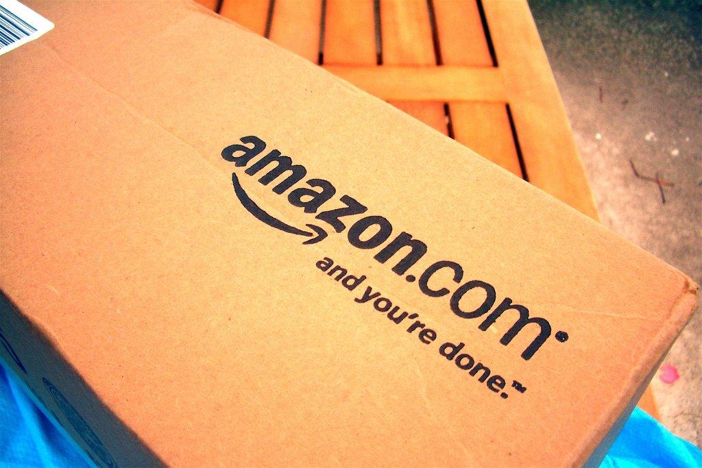 Una caja de envío de Amazon