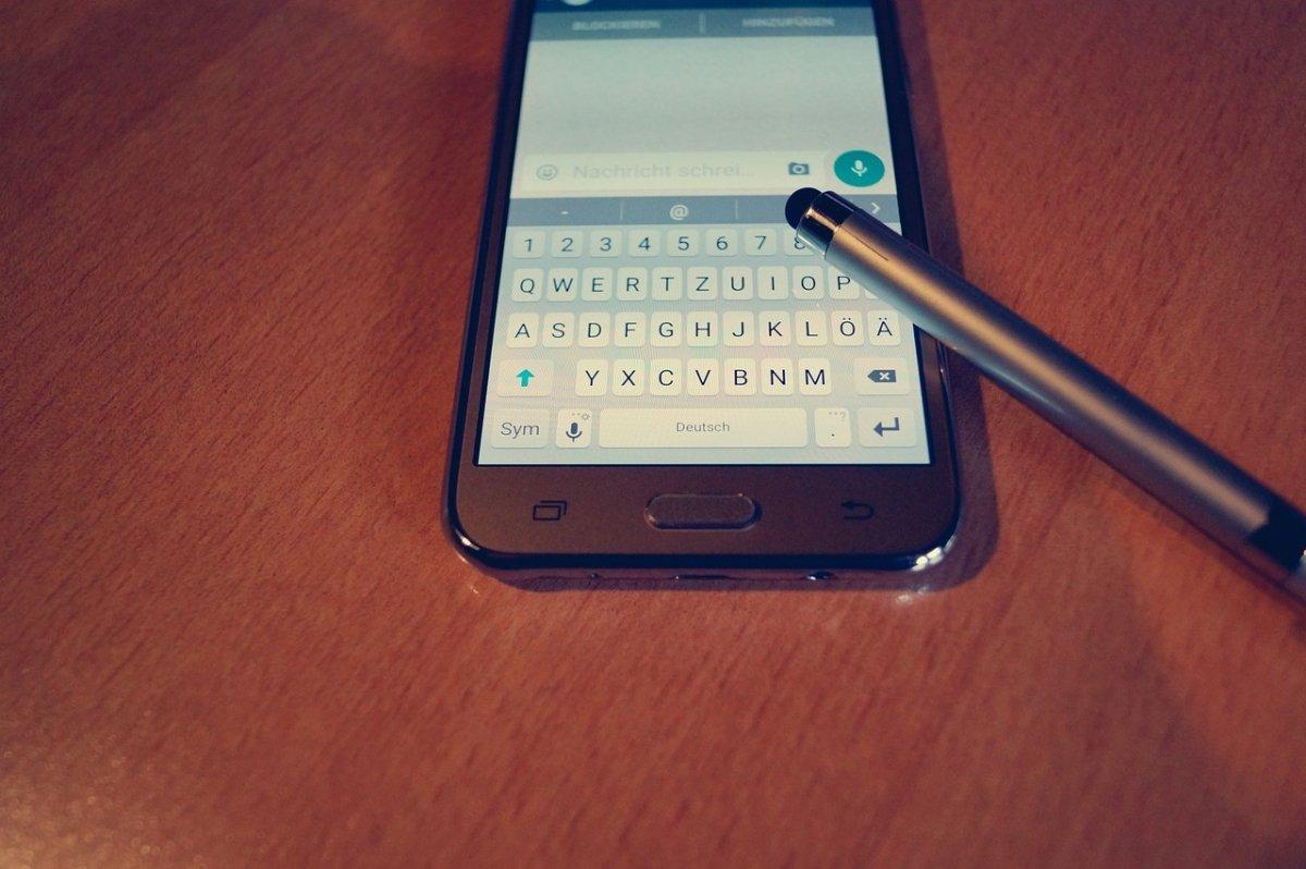 WhatsApp en un smartphone Samsung