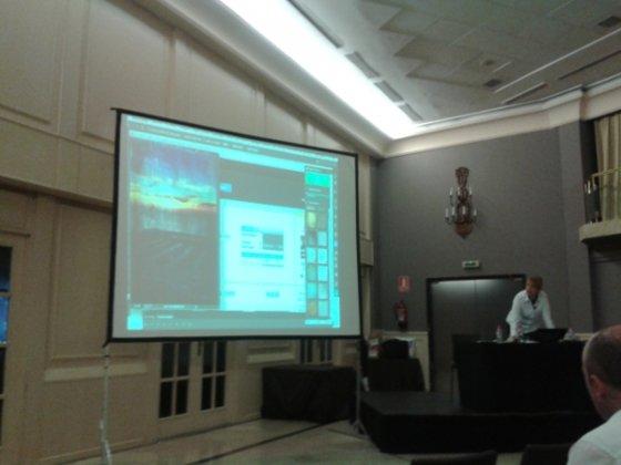 Ana Mesas presentando las novedades de Adobe Creative Cloud en el Adobe Create Now! Roadshow 2013 ce