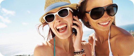 Chicas llamando con ZeroApp