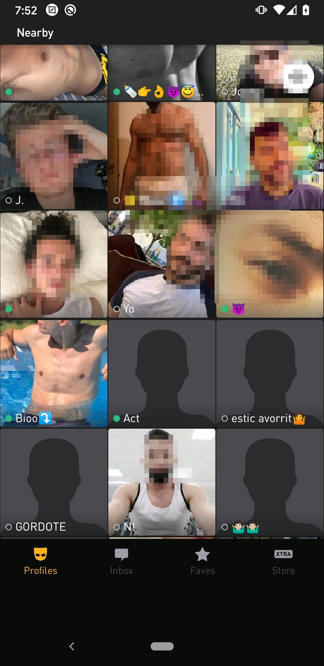 grindr download photos