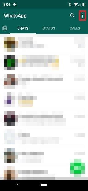 Botón del menú en la pantalla principal de WhatsApp